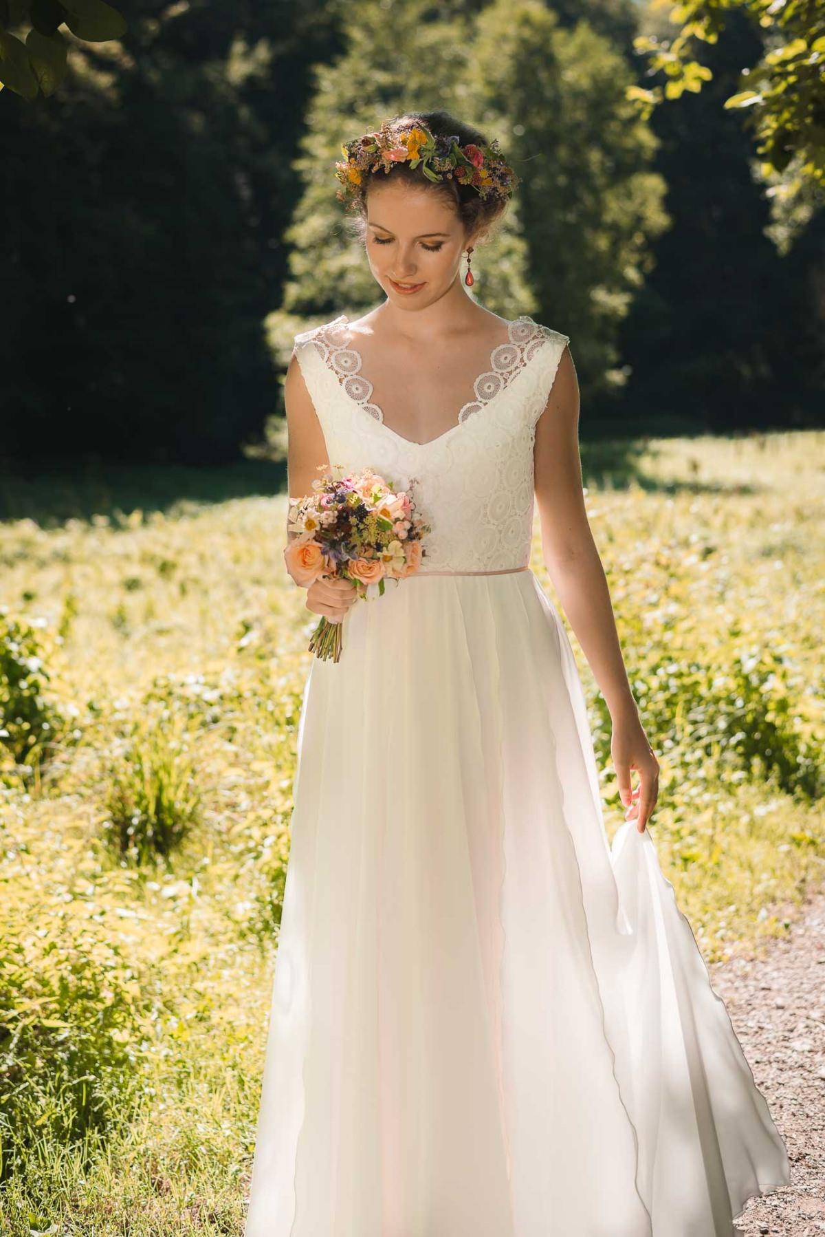 Großzügig Stoff Für Brautkleider Zeitgenössisch - Hochzeit Kleid ...