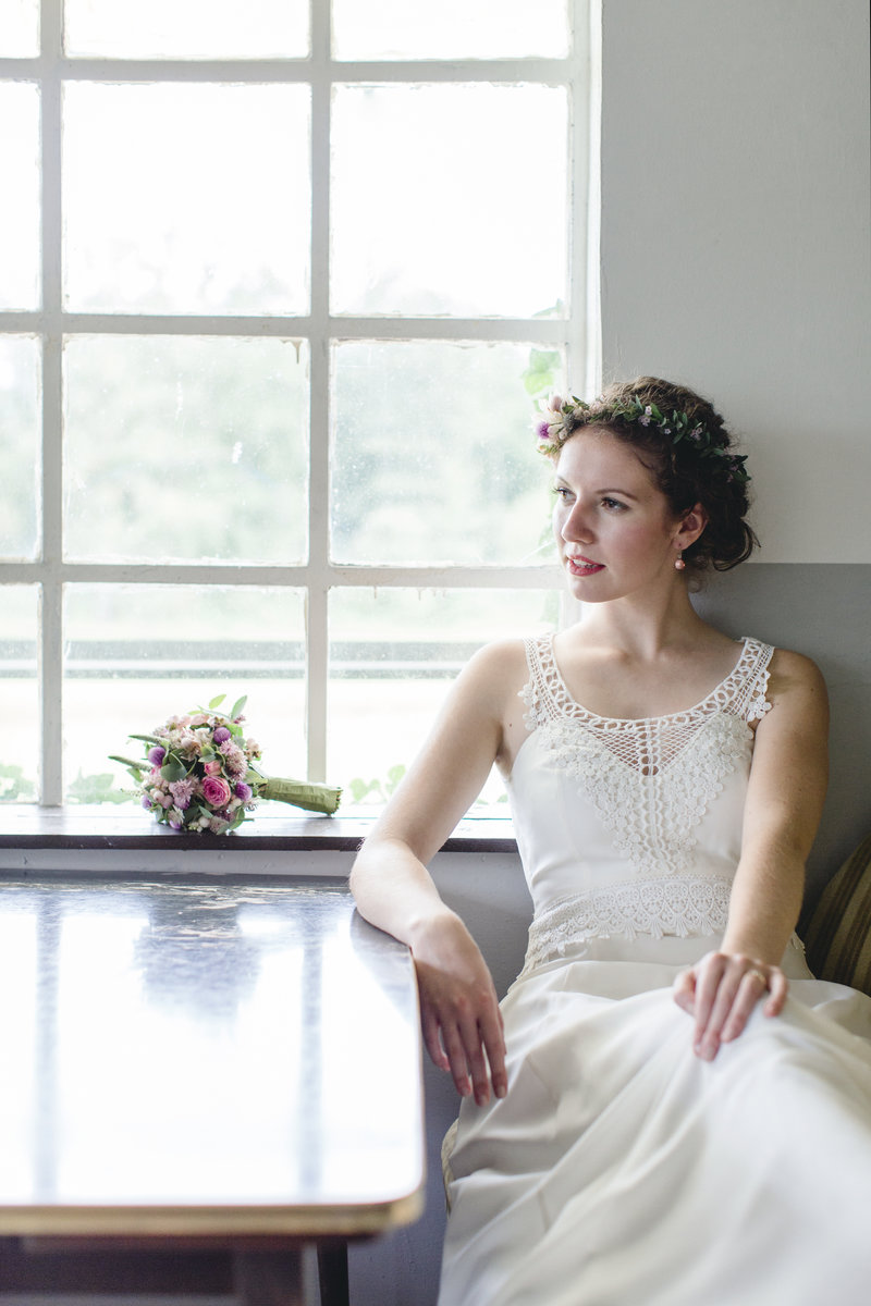 Ausgezeichnet Leichtes Brautkleid Fotos - Brautkleider Ideen ...
