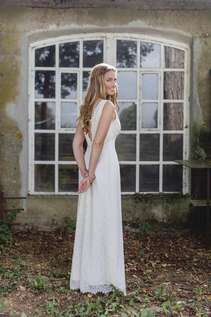 Hanna Witte 11-Spitzenkleid-Vintage- tiefer Rücken-cremefarbenes Brautkleid