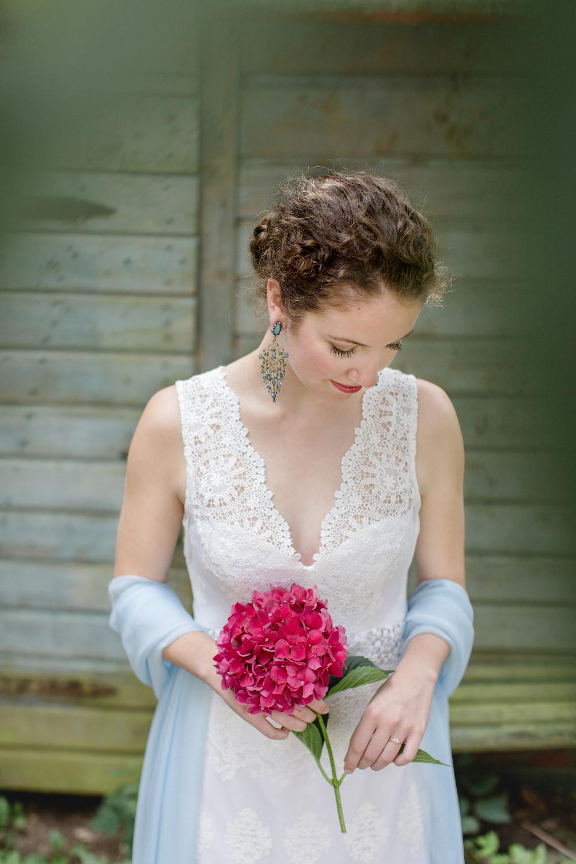 Brautkleid mit Spitze maßgeschneidert Köln