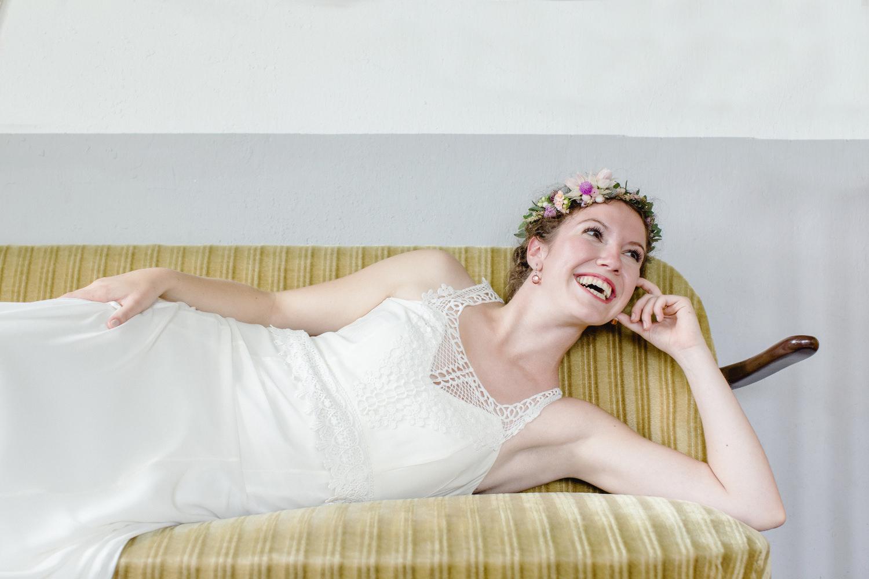 Boho Brautkleid mit wenig Spitze in Köln