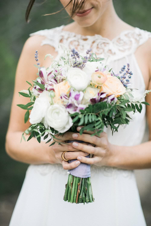 Mediterraner Hochzeitstrauß in Pastell