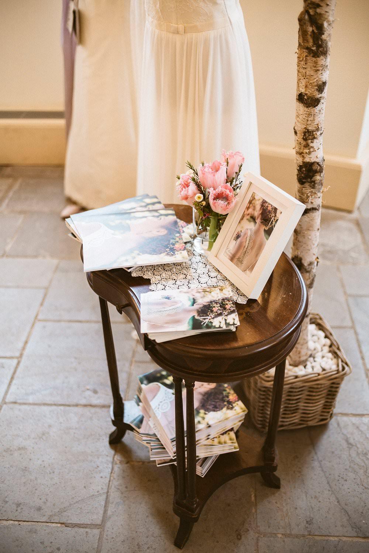Accessoires und Hochzeitskleider für die Braut