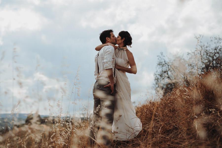 Brautkleid mit Stehkragen