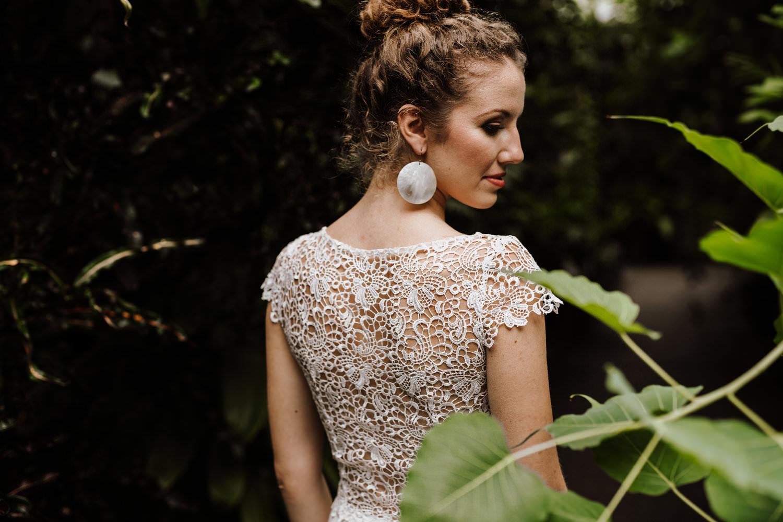 Veganes Hochzeitskleid mit Spitze im Rücken von Claudia Heller