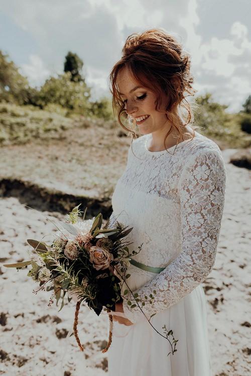 Hochzeitskleid lange Spitzenärmel l von Claudia Heller Modedesign Köln