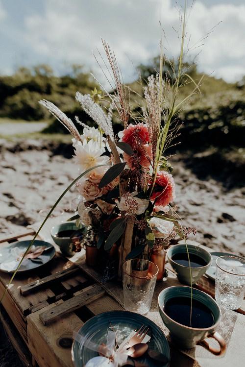 Hochzeit Picknick Strand in Holland l Brautkleid von Claudia Heller Modedesign