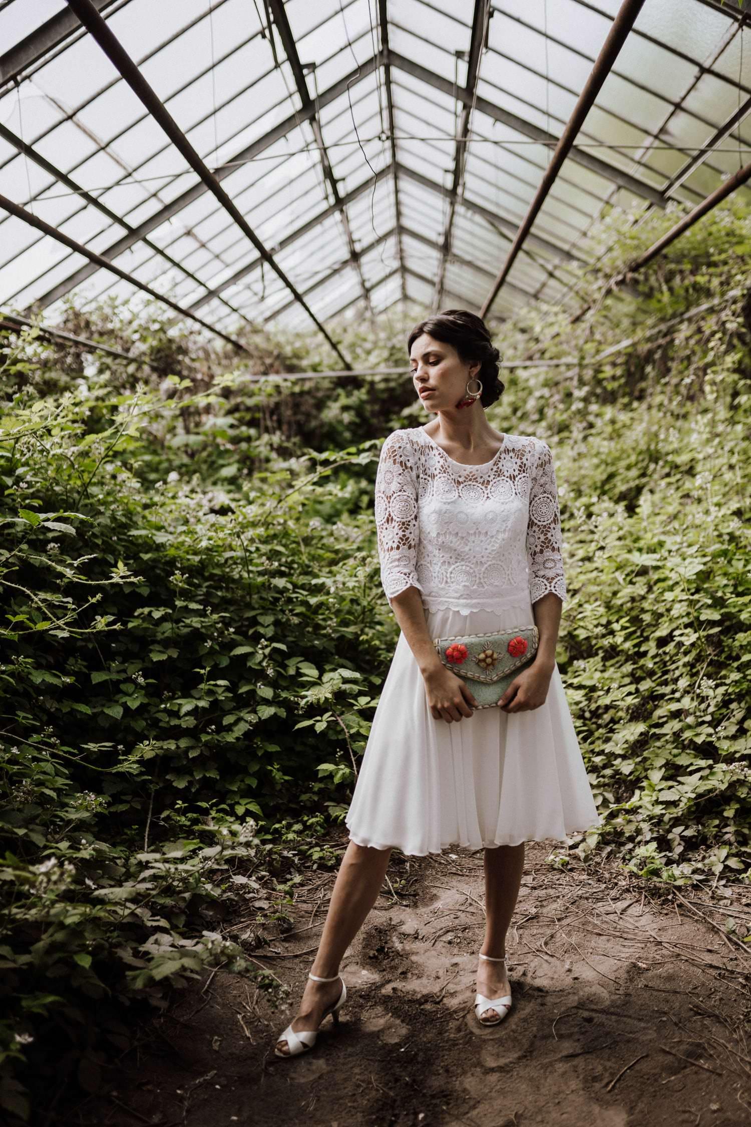 Kurzes Boho Brautkleid mit Spitze von Claudia Heller