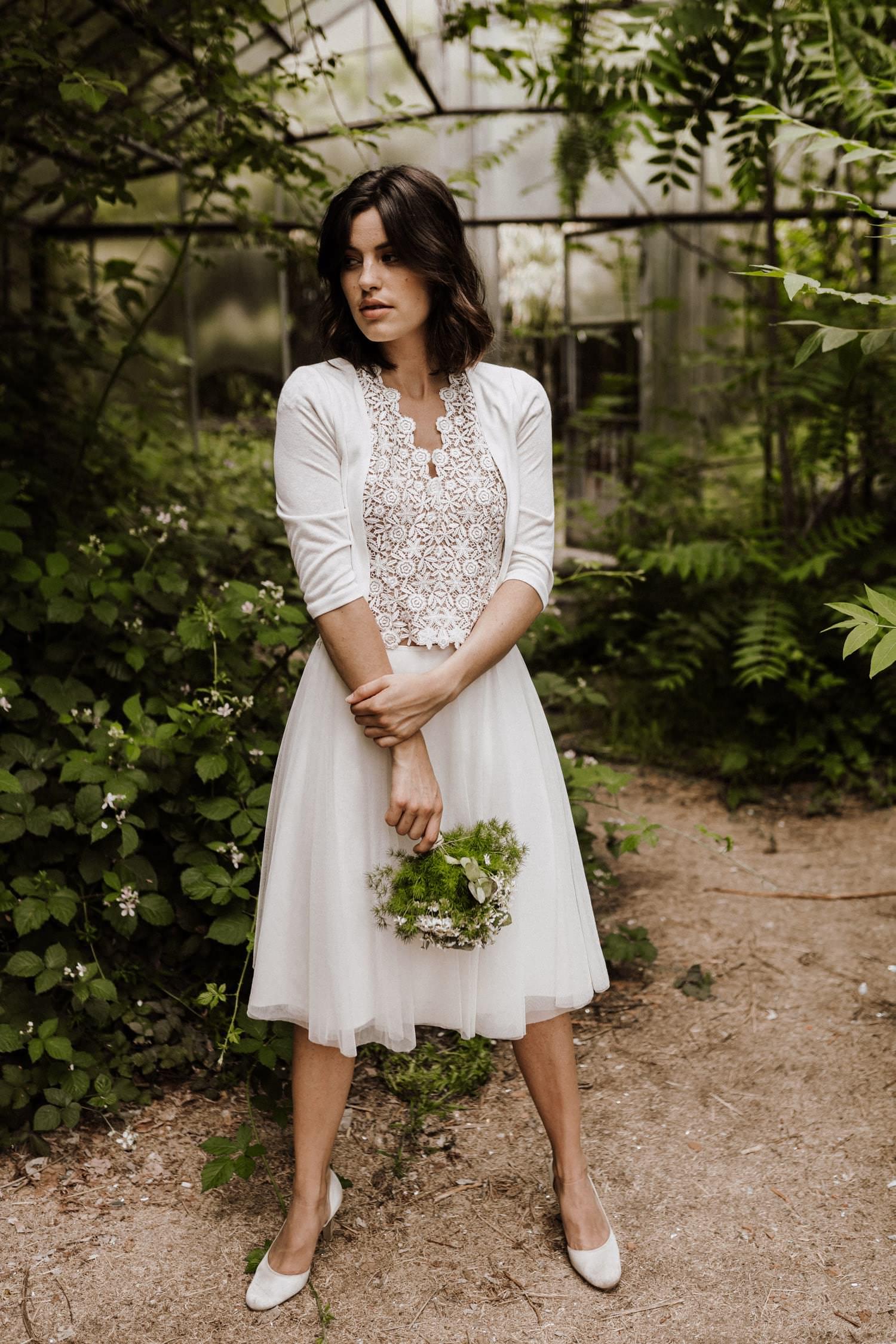 Brautkleid-kurz-Tüll-Jaeckchen