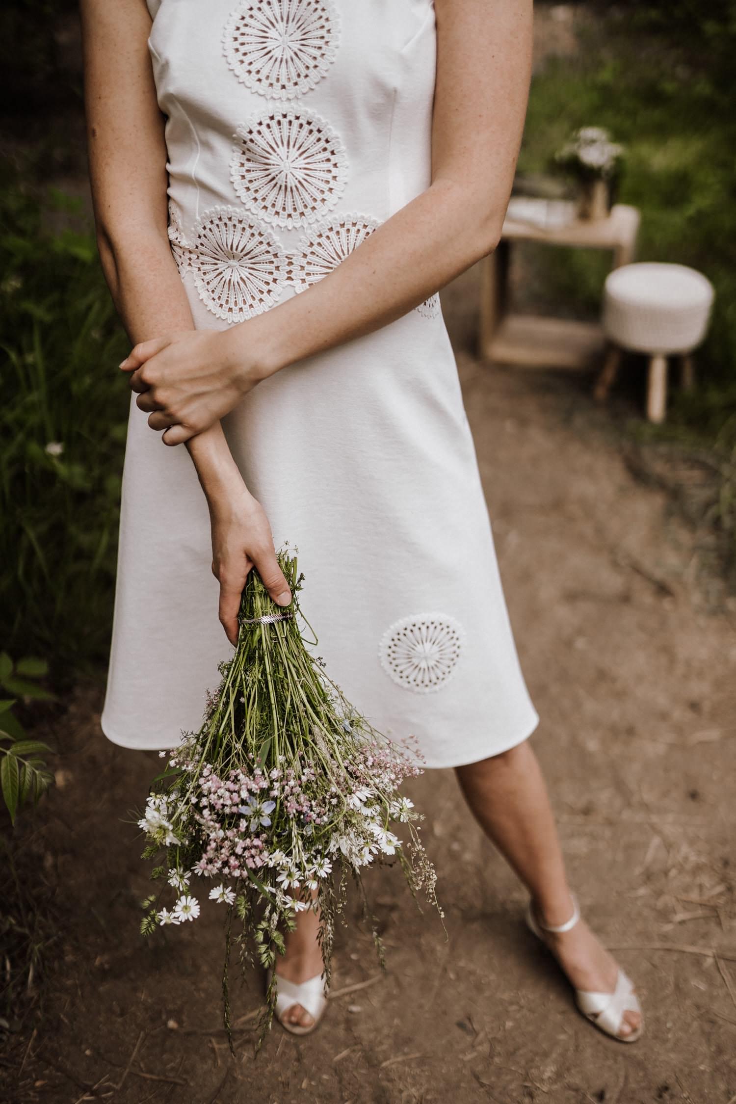 Brautkleid-weiß-kurz-Standesamt