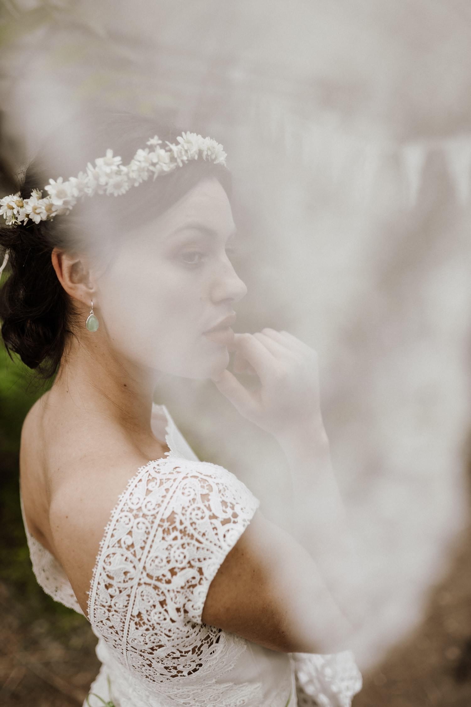 Kurzes-weißes-Brautkleid-Boho