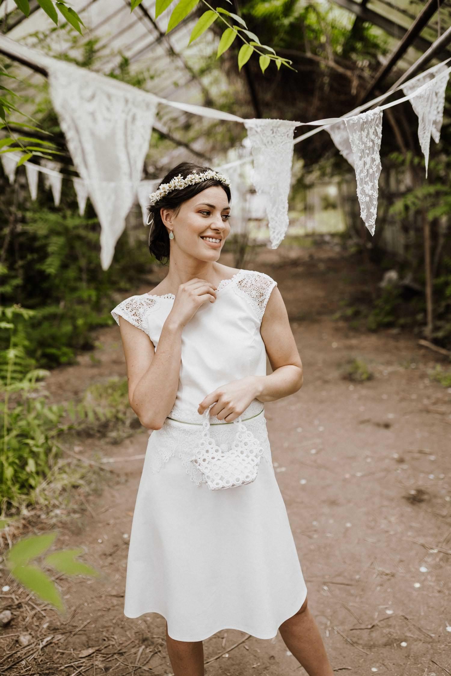 Kurzes-weißes-Brautkleid-Macrame