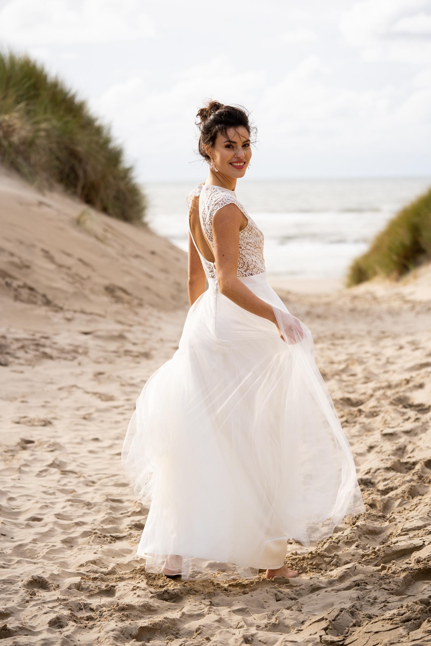 Langes Hochzeitskleid mit Tüllrock modern 2020