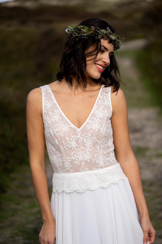 Brautkleid mit Vintage Spitze und V-Ausschnitt
