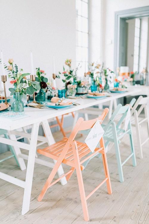 Hochzeit Holz-Stühle in Pastell von nimmplatz, Köln
