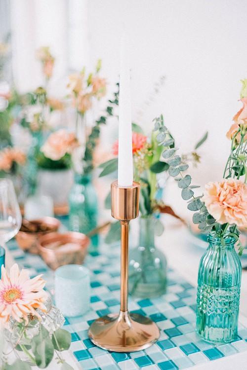 Hochzeit Tischdeko mit Vasen aus Kupfer