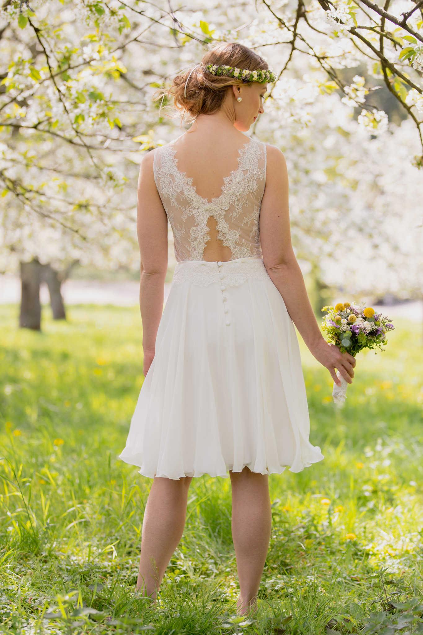 Vintage Brautkleid in kurz mit zauberhafter Spitze - Lilli