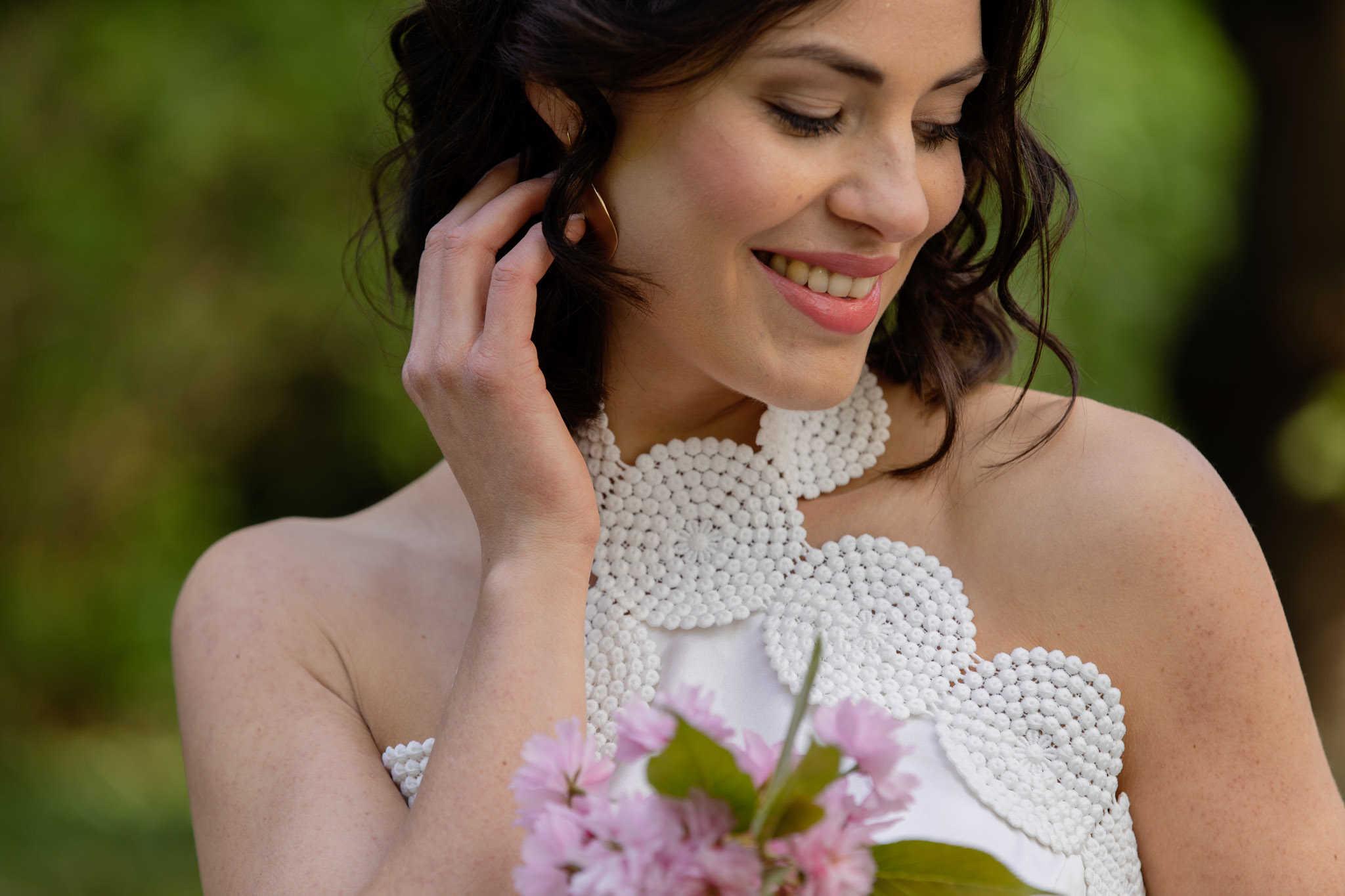 Kurzes Brautkleid mit Neckholder - das perfekte Partybrautkleid