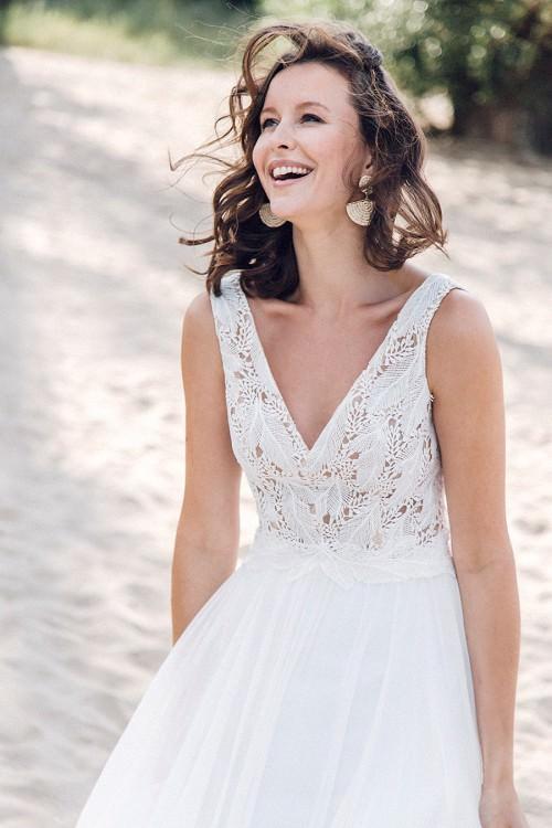Unbeschwertes, leichtes Hochzeitskleid Coro von Claudia Heller Brautmode Köln